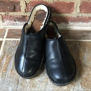 UGG Black Leather Mule Slip On Fur Lined Clog Sz 8